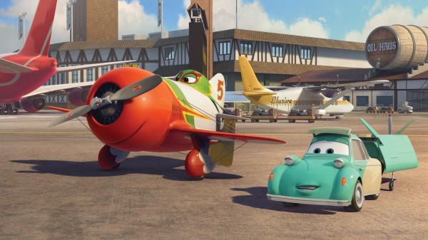 飞机总动员 : macau cable tv